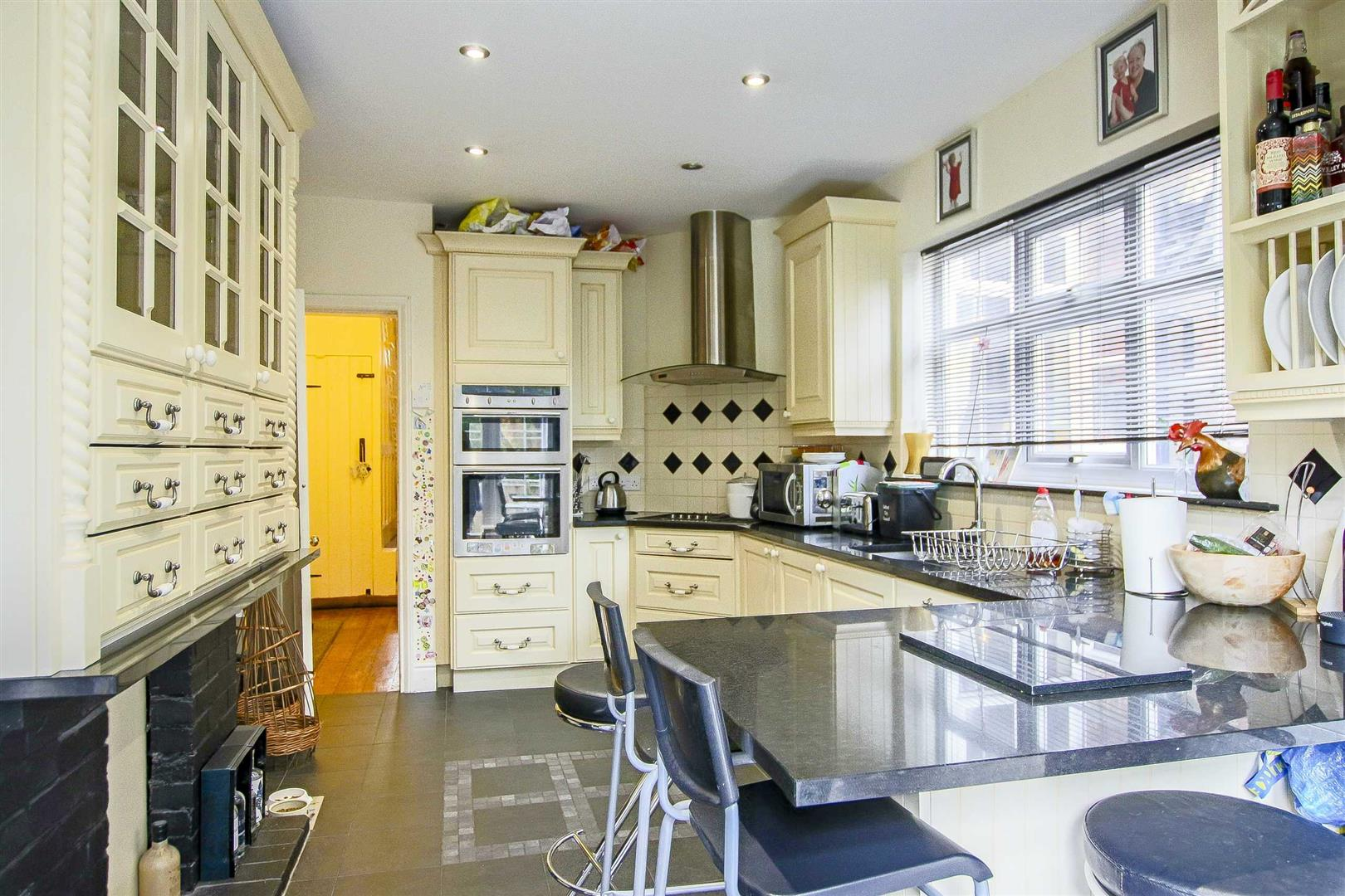 5 Bedroom Terraced House For Sale - Image 22